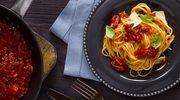 Spaghetti z rozgrzewającym sosem pomidorowym
