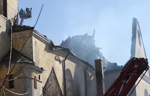 Spalony klasztor OO. Bernardynów w Alwerni/fot. Jacek Bednarczyk /PAP