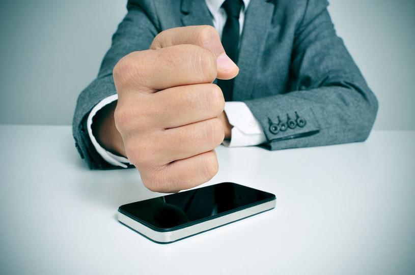 Spam coraz częściej uderza w bezpieczeństwo urządzeń mobilnych. /©123RF/PICSEL