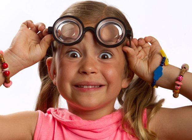 Specjaliści przestrzegają, że coraz więcej dzieci ma wady wzroku /© Panthermedia