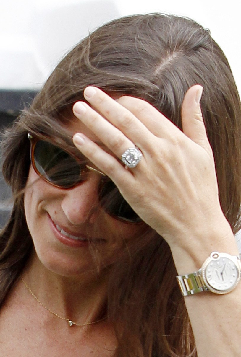 Specjaliści wyceniają wartość pierścionka zaręczynowego Pippy Middleton na milion złotych /East News
