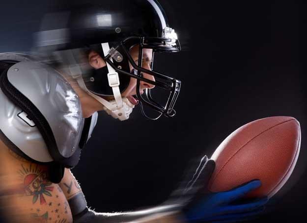 Spektakularny jest sam wygląd zawodników, ich ubiór, kaski, ochraniacze /©123RF/PICSEL