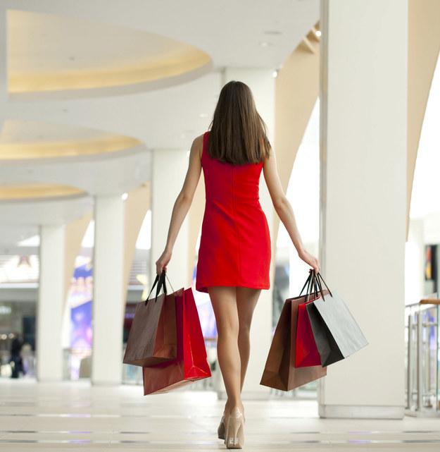 Spisywanie wydatków pozwala zyskać kontrolę nad własnym życiem /©123RF/PICSEL