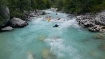 Spływ kajakowy nurtem malowniczej rzeki Socza. Robi wrażenie