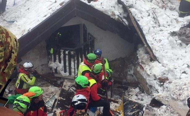 Spod gruzów hotelu wydobywają tylko ciała. W nocy znaleziono kolejne trzy ofiary katastrofy