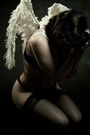 Spora liczba mężczyzn zapłaciła wysoką cenę za spotkanie z aniołem /©123RF/PICSEL