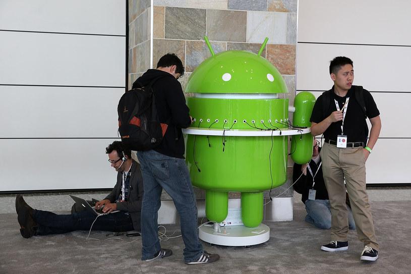 Sporo aplikacji dla Androida może zbierać więcej danych niż jest potrzebne do ich działania /AFP
