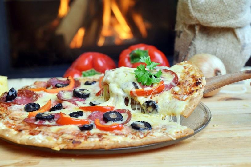 Spośród 100 tysięcy piekarzy pizzy, prawie 40 procent stanowią cudzoziemcy, zdj. ilustracyjne /123RF/PICSEL