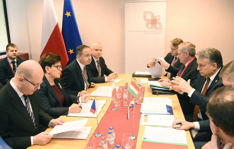 Spotkanie Grupy Wyszehradzkiej przed rozpoczęciem szczytu Rady Europejskiej w Brukseli /Radek Pietruszka /PAP
