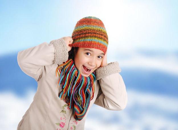 Spraw, by podczas zimowej przerwy dziecko zdobyło nowe umiejętności /123RF/PICSEL