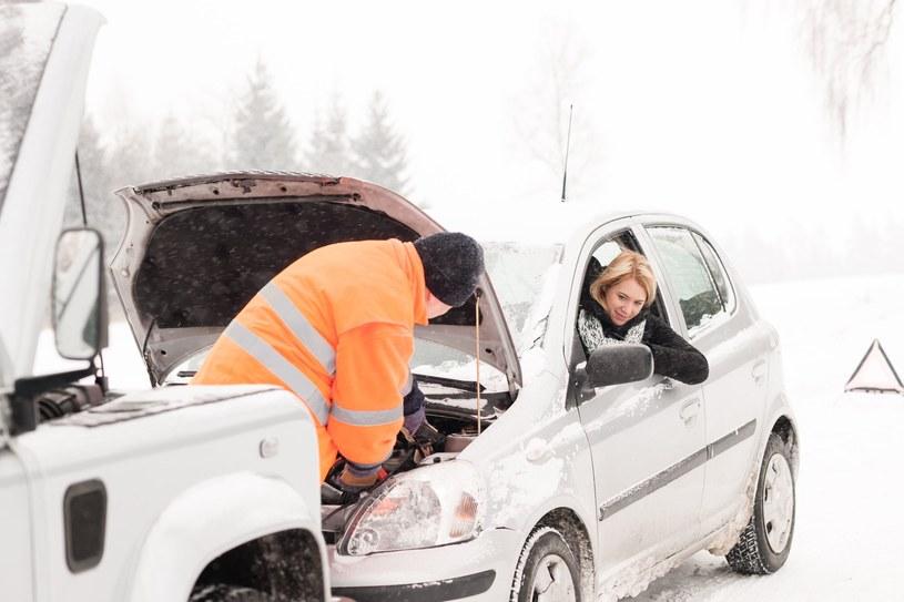 Sprawdź, czy twój samochód jest gotowy na ferie /123RF/PICSEL
