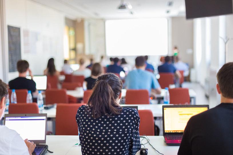 Sprawdź, jak sfinansować kursy i szkolenia /123/RF PICSEL