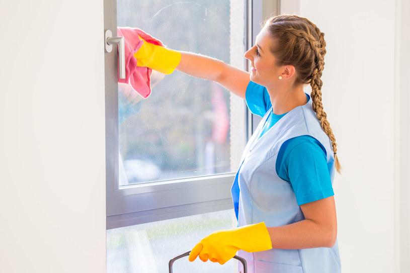 Sprzątanie może mieć równie korzystne skutki dla zdrowia, jak siłownia czy bieganie /©123RF/PICSEL