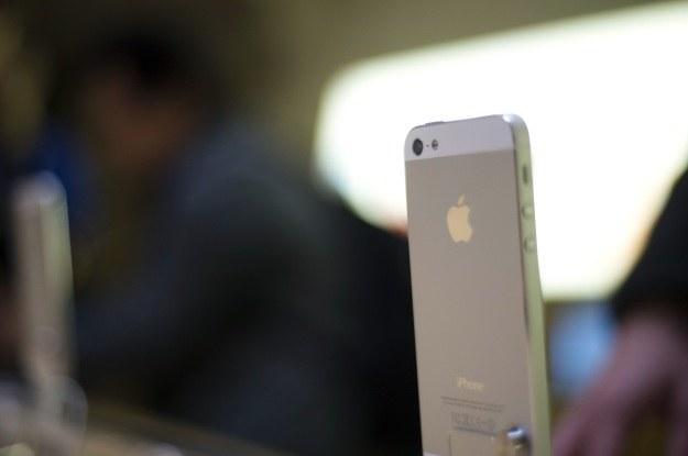 Sprzedaż iPhone'a 5 zablokowana w Meksyku? /AFP