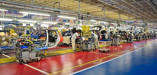 Sprzedaż spada w całej Europie. Polskie fabryki zmniejszają produkcję /