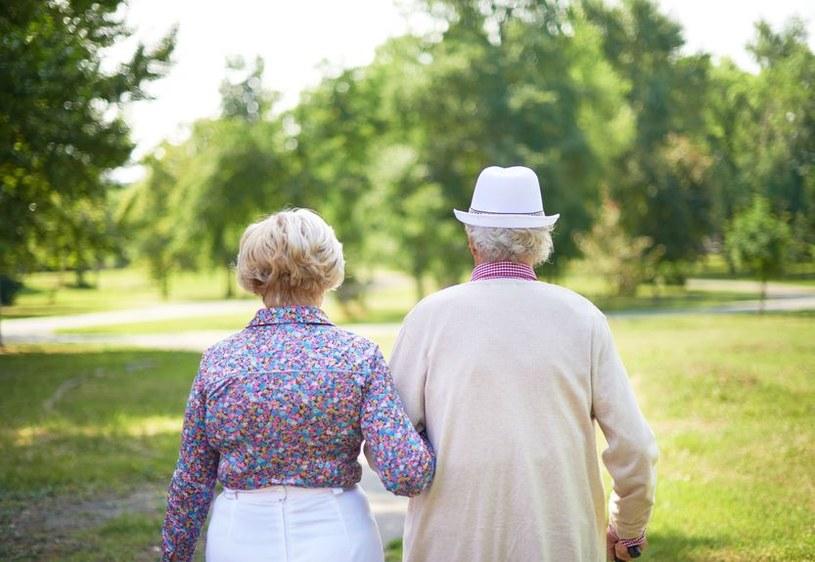 Średnia długość życia człowieka ustabilizuje się w przyszłości w przedziale od 80 do 105 lat. /123RF/PICSEL