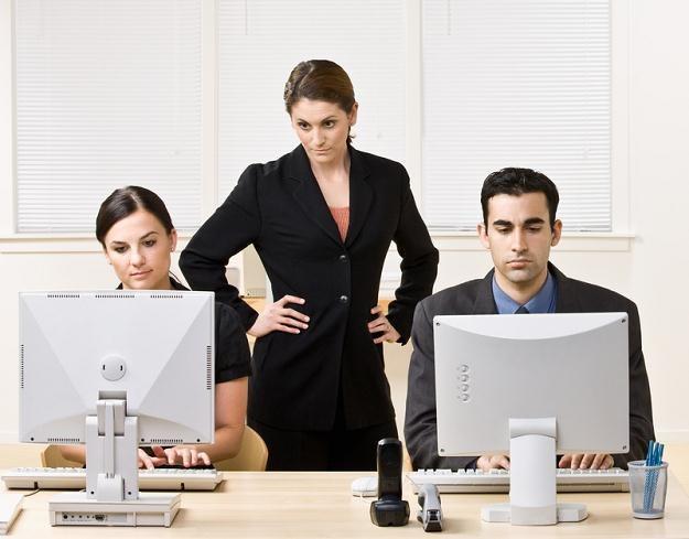 Średnie wynagrodzenie osób pracujących w dziale IT wyniosło 5107 zł brutto /© Panthermedia
