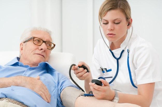 Średnie wynagrodzenie pielęgniarek zmienia się wraz ze stażem pracy /123RF/PICSEL