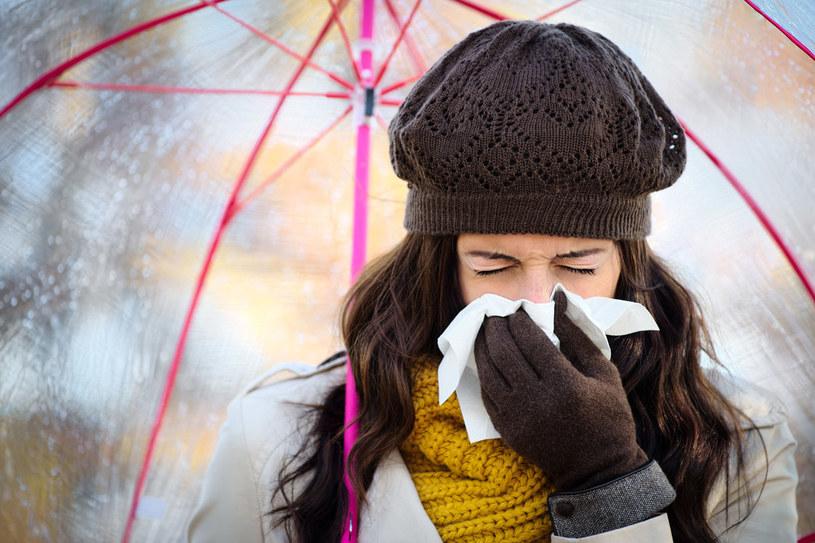 Średnio co minutę na świecie z powodu grypy umiera jedna osoba. /magiceyes /©123RF/PICSEL