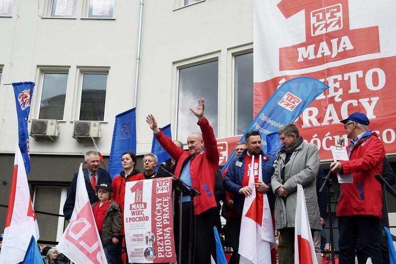 Środowiska lewicowe manifestowały w Warszawie /Marcin Obara /PAP