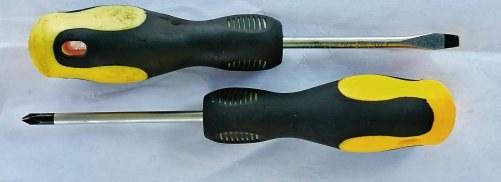 Śrubokręt płaski, śrubokręt krzyżakowy /Motor