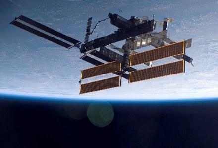 Stacja orbitalna, promy i sondy kosmiczne mogą zostać wkrótce wyposażone we własną sieć /AFP