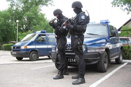 Stalowowolscy policjanci są w każdej chwili gotowi do akcji / fot. T. Wosk /Sztafeta