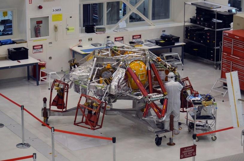 """Stan prac nad """"descent stage"""" misji Mars 2020 (zdjęcie z 13 marca 2018) /NASA"""