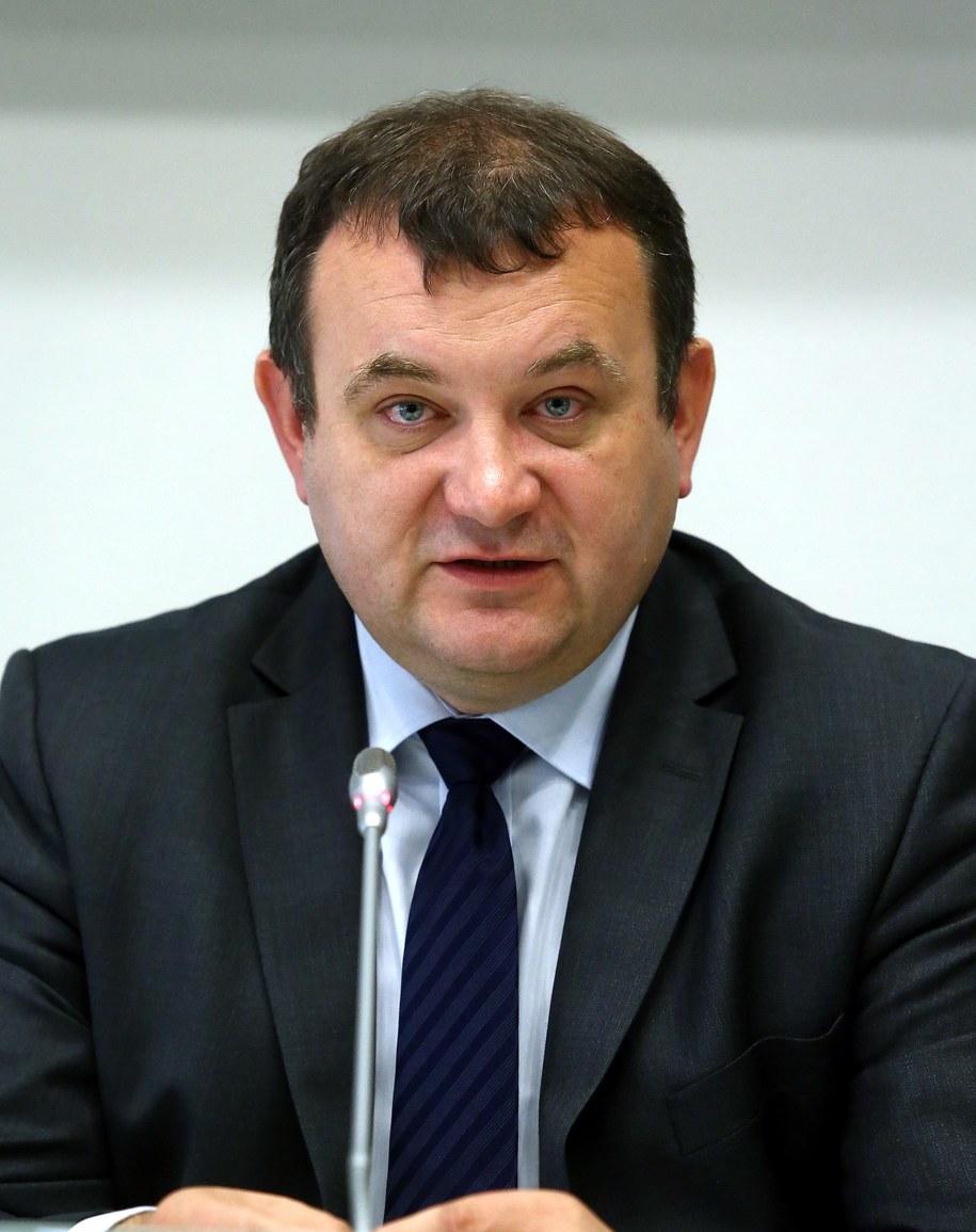 Stanisław Gawłowski / Tomasz Gzell    /PAP