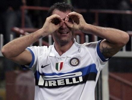 Stanković pokazuje, że takiego gola jakiego strzelił Genoi dawno nie widziano /AFP