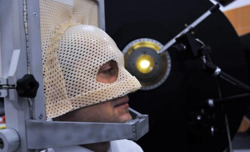 Stanowisko radioterapii protonowej nowotworów gałki ocznej w Centrum Cyklotronowym /Marek Lasyk  /Reporter