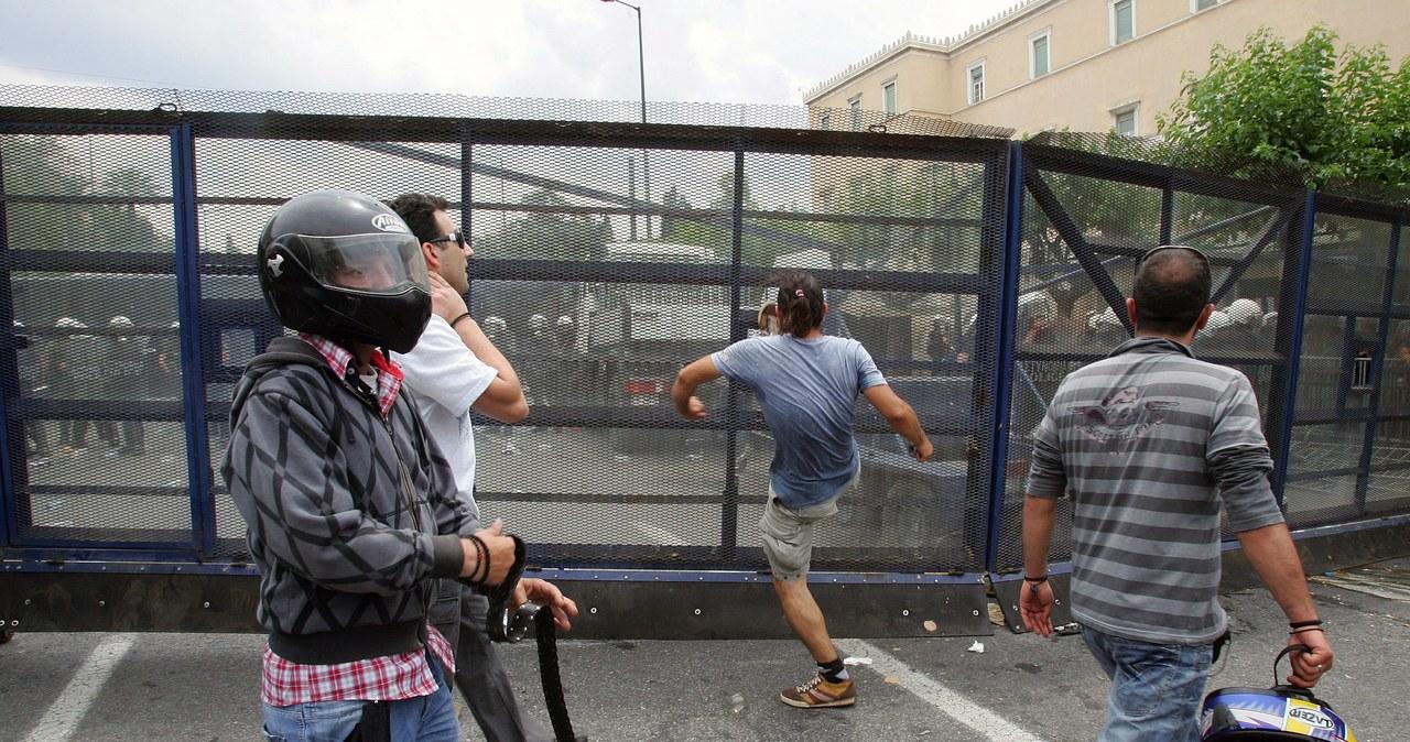 Starcia przed parlamentem w Atenach, są ranni