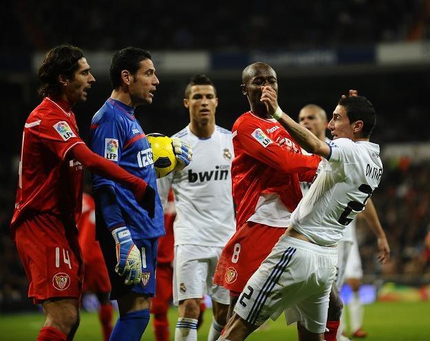 Starcie Andresa Palopa z Angelem Di Marią - strzelcem gola dla Realu /AFP