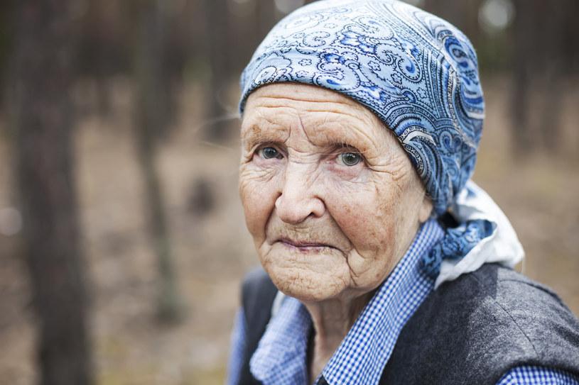 Starsi ludzie nie przejmują się drobnostkami /123RF/PICSEL