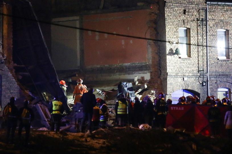 Starsza kobieta zginęła w zawalonej kamienicy; jej mąż trafił do szpitala /Dominik Gajda /PAP
