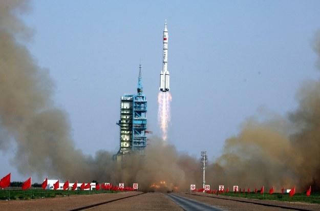 Start chińskiej rakiety Shenzhou-9 /AFP