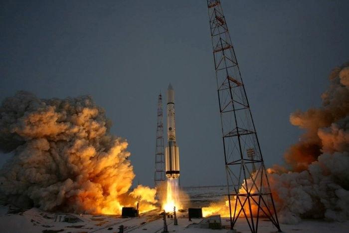 Start rakiety Proton z satelitą Express AM5 /materiały prasowe