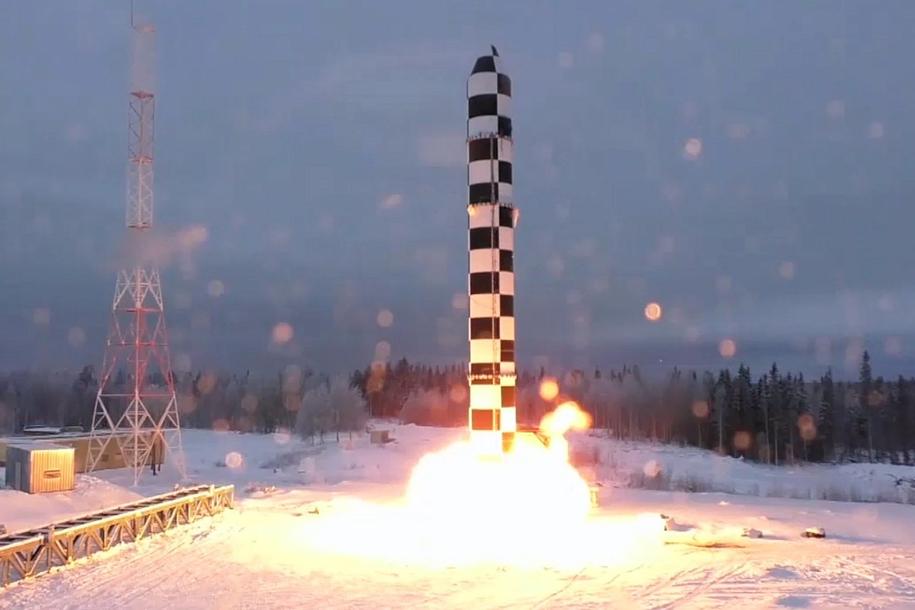 """Start rakiety """"Sarmata"""" /KREMLIN / HANDOUT /PAP/EPA"""
