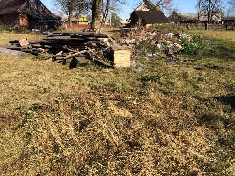 Staruszka, która mieszkała w tym domu, przez lata upamiętniała pamięć zabitych tu Polaków /Krzysztof Kot /RMF FM