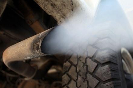 Starym autem nie wjedziesz do centrum /AFP