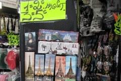Statuetka Wieży Eiffla hitem z Paryża