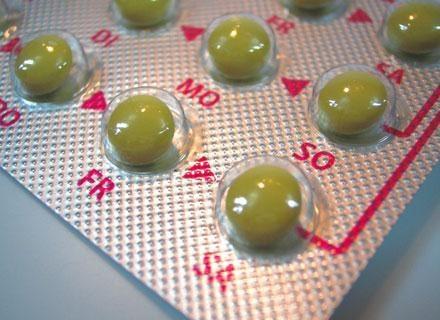 Statystyki wskazują, że mniej więcej trzy czwarte kobiet sięga po  tabletki antykoncepcyjne /© Panthermedia