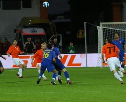Steaua atakuje bramkę Zagłębia /INTERIA.PL