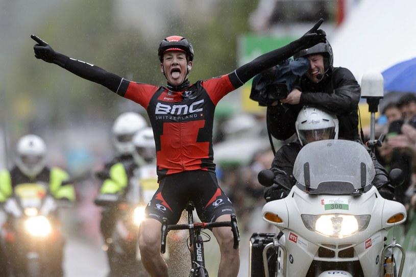 Stefan Kueng wygrywa etap /AFP