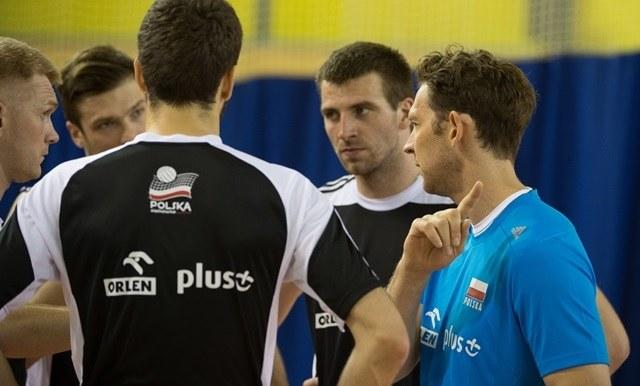 Stephane Antiga prowadzi trening na zgrupowaniu reprezentacji Polski siatkarzy w COS Spała /Grzegorz Michałowski /PAP