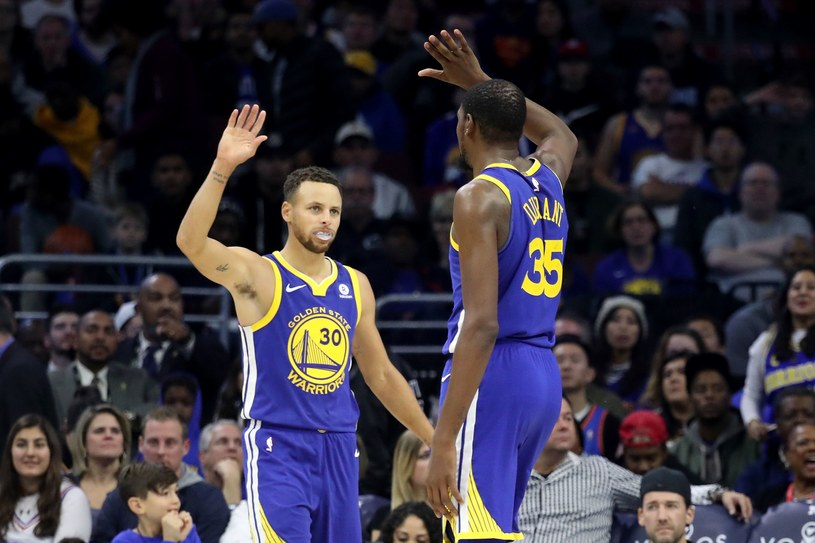 Stephen Curry (z lewej) i Kevin Durant /AFP