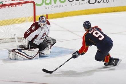 Stephen Weiss strzelił trzy gole w meczu z Colorado Avalanche /AFP