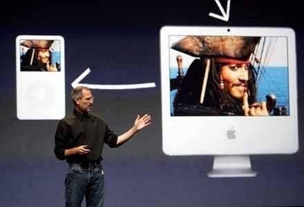 Steve Jobs pokazuje iPoda video oraz ogłasza współpracę między Apple i Disneyem /AFP