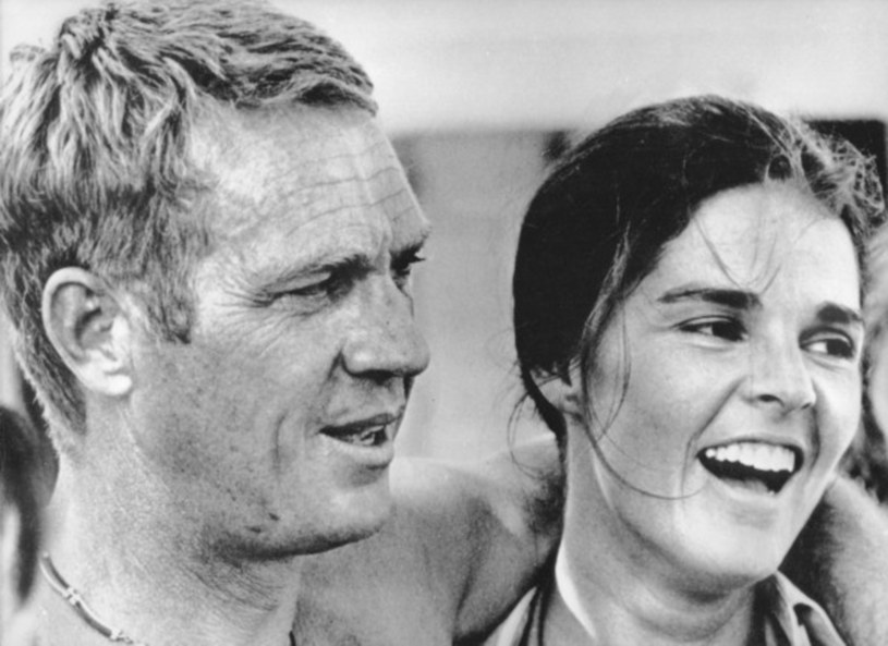 "Steve McQueen i Ali MacGraw w ""Ucieczce gangstera"" /AKG Images /East News"
