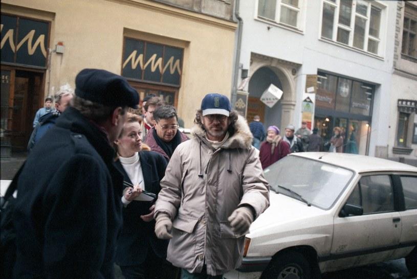 """Steven Spielberg w Krakowie podczas prac nad """"Listą Schindlera"""" /Wojtek Laski /East News"""